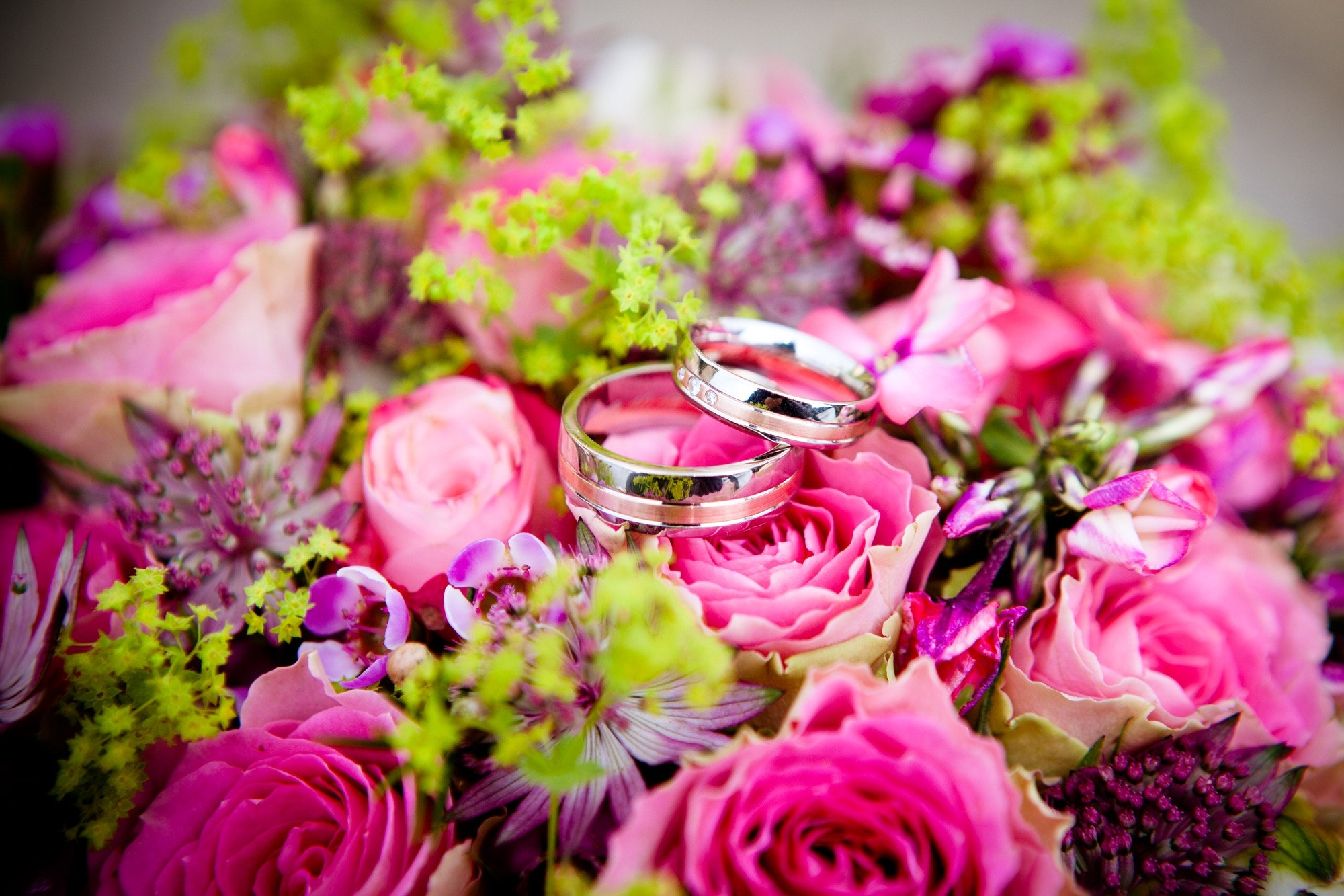 romantic-flowers-bouquet-ceremony-59948
